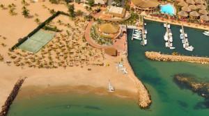 Vedle hotelu je k dispozici přístav